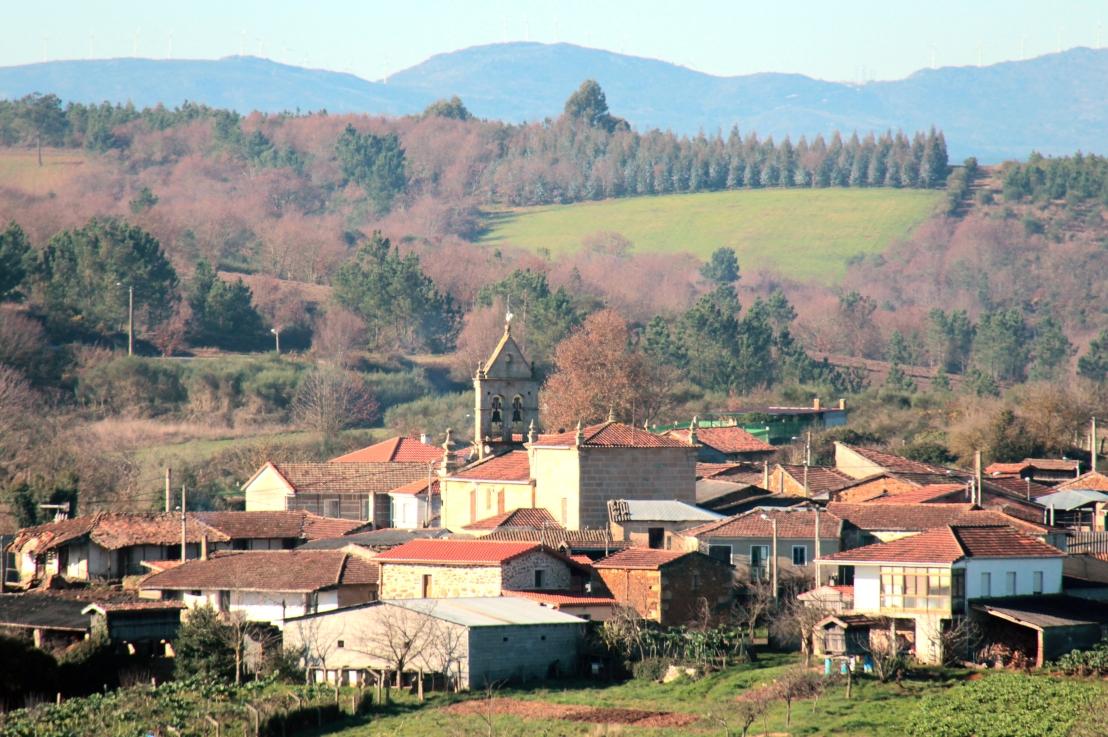 E37. La llegada del agua potable a los pueblos de A Igrexa y O Valdemouro en los años sesenta.   Por José Luis CambaSeara